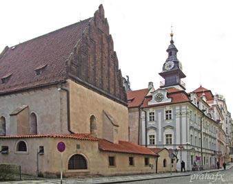 Прага. Староновая синагога и еврейская ратуша. Фото Галины Пунтусовой
